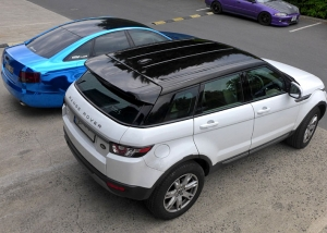 Range Rover Evoque black roof vinyl wrap
