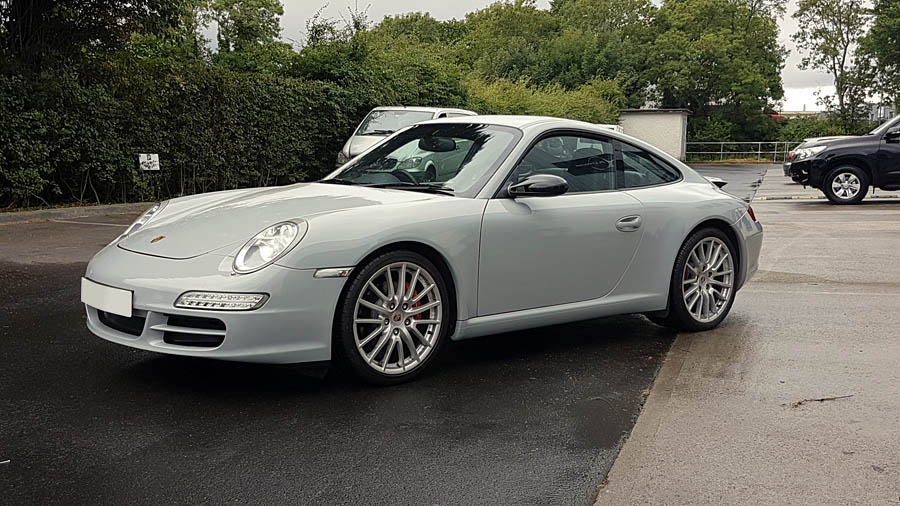 Porsche 911 Nardo grey wrap