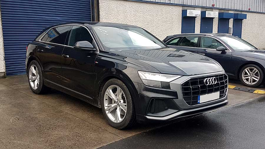 Audi Q8 before dechroming