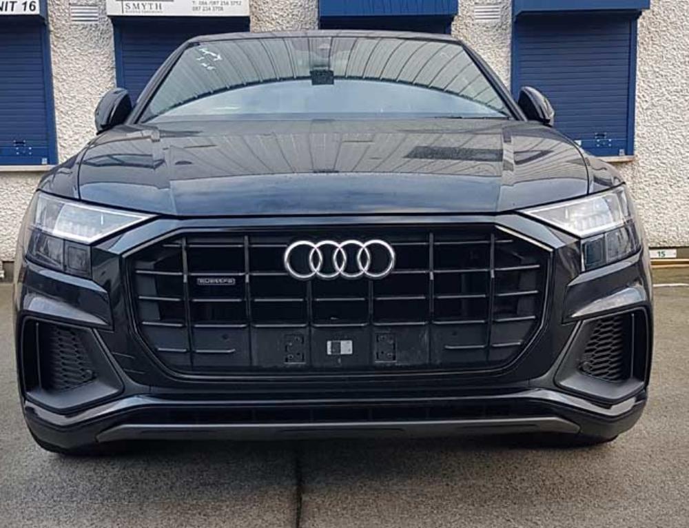 Audi Q8 Dechroming